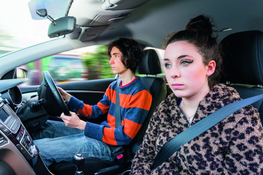 How to drive safely with friends in the car