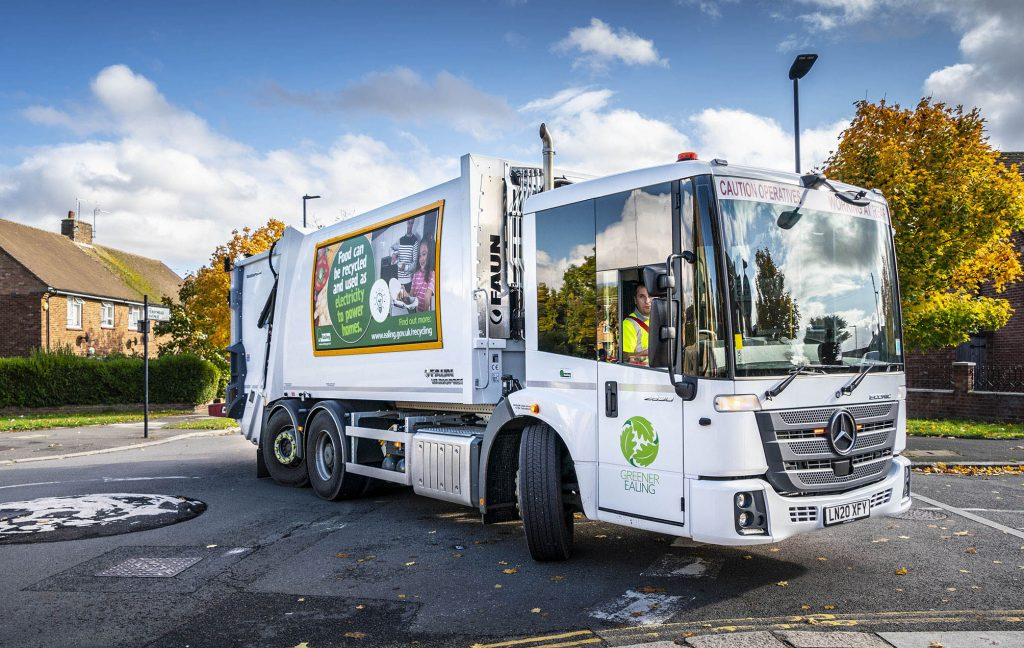 Greener Ealing orders 32 Mercedes-Benz Econics for waste and recylable collections