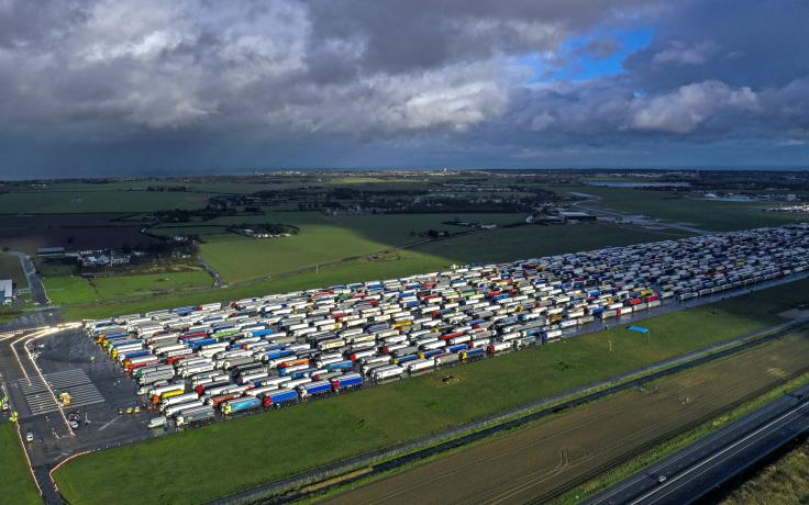 New COVID border emergency protocols needed, as stranded drivers face grim Christmas