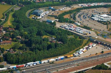 Hauliers urged to object to 'ludicrous' plan to prevent HGVs stopping on any road in Kent