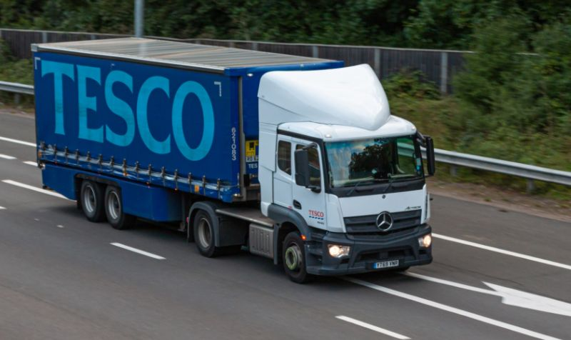 Tesco offers £1,000 joining bonus for new drivers as shortage threatens UK supply chain