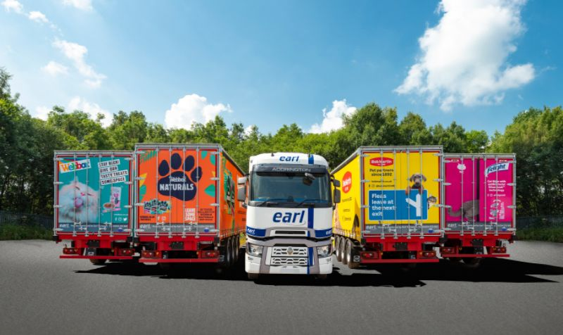 Earl Transport leases 14 SDC curtainsiders from TIP