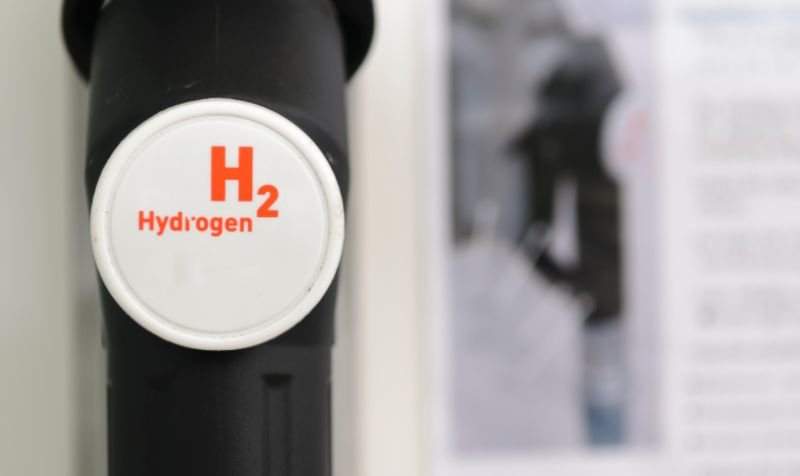 Scheme to trial a hydrogen-fuelled HGV for Sainsbury's wins government funding
