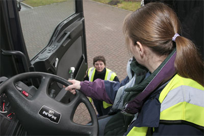 Government to create 50,000 extra lorry driver tests per year